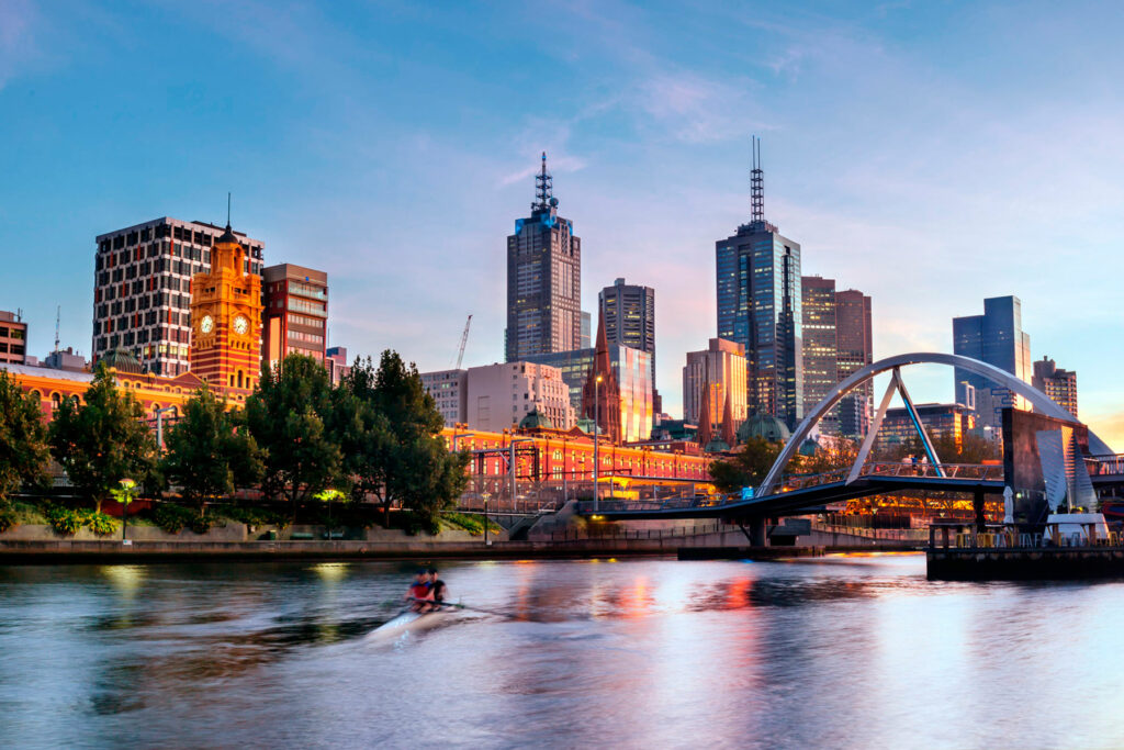 Seasonal Saver - Metro Apartments on Bank Place Melbourne
