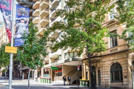 Summer Sale - Metro Apartments on King