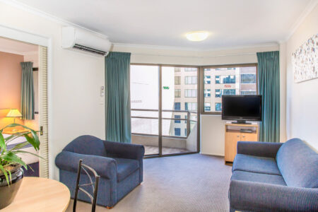 Winter Warmer Hot Deal - Metro Apartments on King