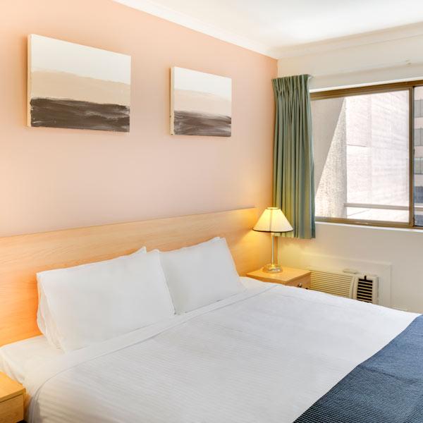 Metro Apartments on King + King Bedroom