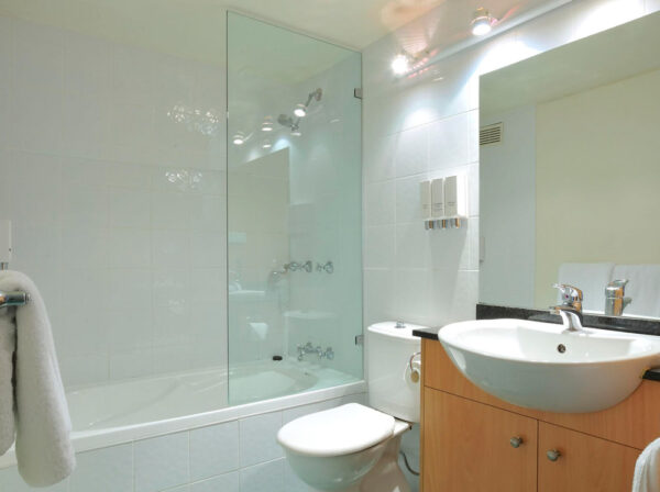 Metro Apartments on Darling Harbour Bathroom
