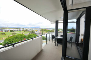 Apartments G60 Gladstone Balcony