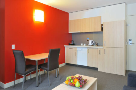 Home Away From Home Long Stay Deal - Metro Apartments on Bank Place Melbourne
