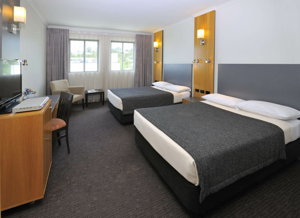 Family Getaway - Metro Hotel Ipswich International