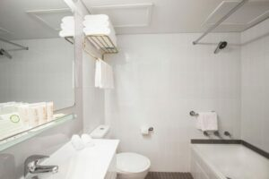 Metro Hotel Marlow Sydney Central Bathroom