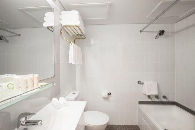 Metro Hotel Marlow Sydney Central + Junior Suite Bathroom
