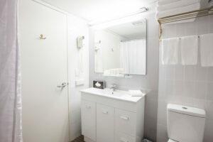 Metro Hotel Marlow Sydney Central Bathroom