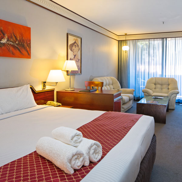 Deluxe Room | Metro Aspire Hotel, Sydney