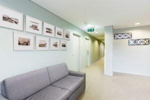 Metro Hotel Miranda Hallway