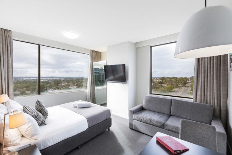 Metro Hotel Miranda Queen Suite