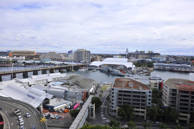 Early Bird Hot Deal - Metro Apartments on Darling Harbour