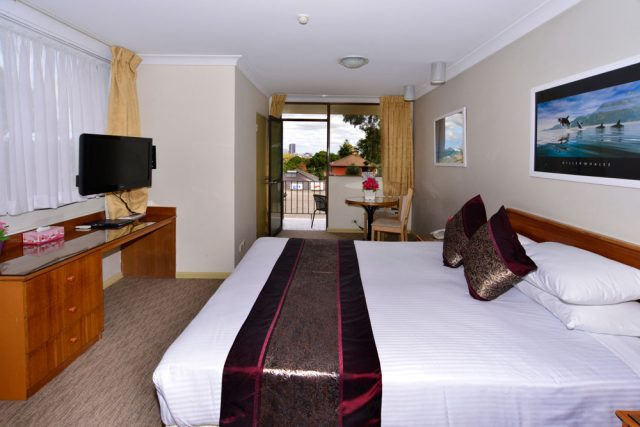 Bed & Breakfast | Metro Inn Ryde