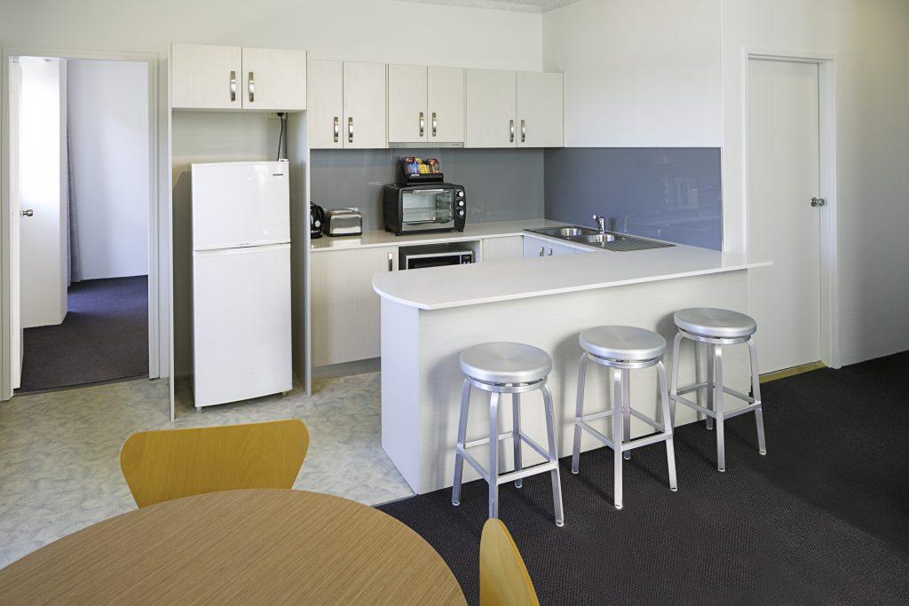 Metro-Hotel-Miranda-Apartment-1-HR