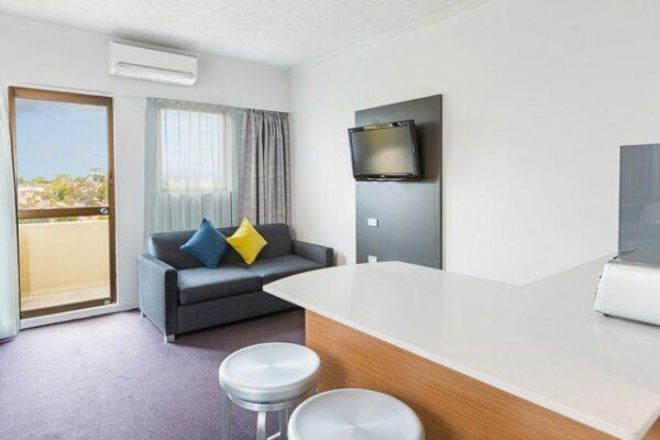 Metro Hotel Miranda Family Room