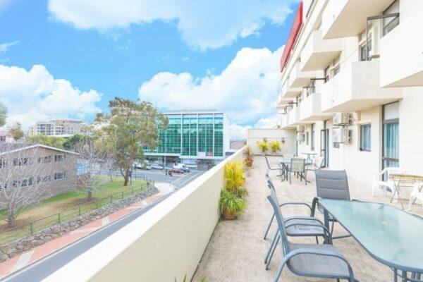 Metro Hotel Miranda Balcony