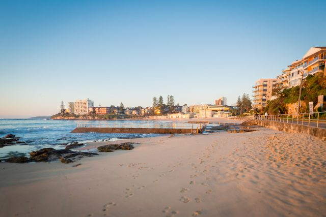 metro-hotel-miranda-local-attractions-cronulla-beach-lr