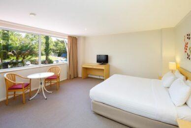 Newport Spa Room