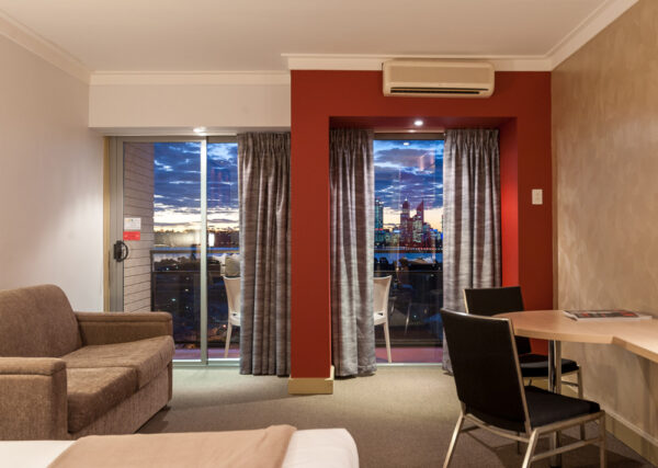 Metro Hotel Perth Superior Riverview Room