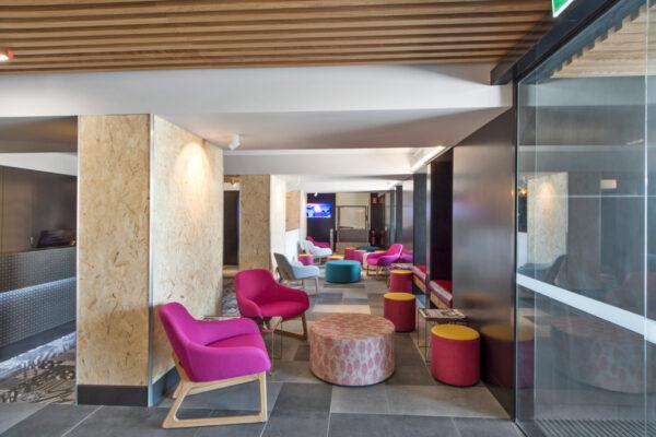 Metro Hotel Perth Bar