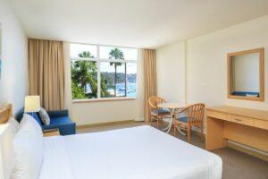 Metro Mirage Hotel Newport Waterfront Room