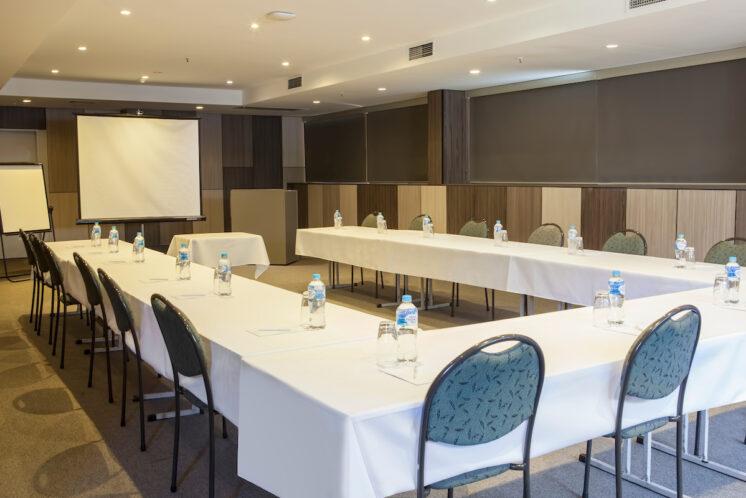 Metro Aspire Hotel, Sydney Conference Wattle Room