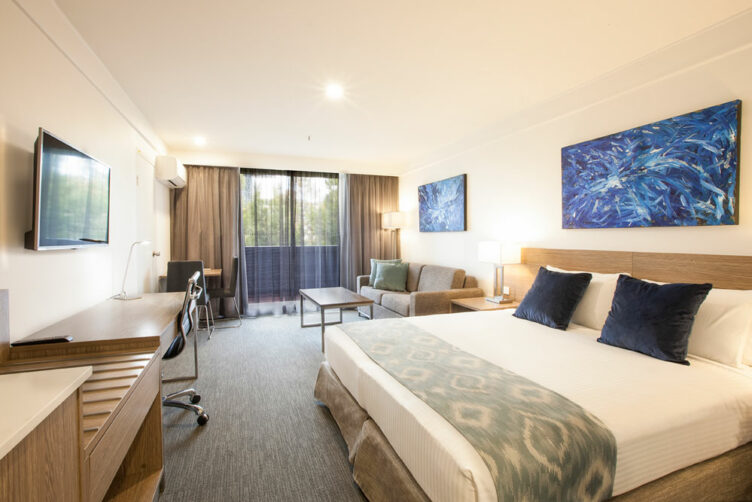 Metro Aspire Hotel Sydney Executive Room