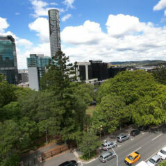brisbane-hotel-accommodation-metro-hotel-tower-mill-exterior-street-park