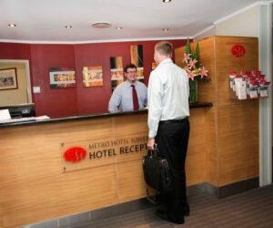 Metro Hotel Tower Mill Reception