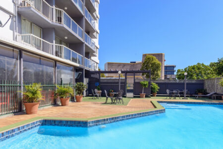 Summer Sale - Metro Hotel and Apartments Gladstone