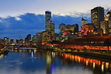 Stay Longer and Save - Metro Apartments on Bank Place Melbourne