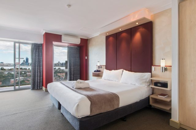 Metro Hotel Perth Spa Room