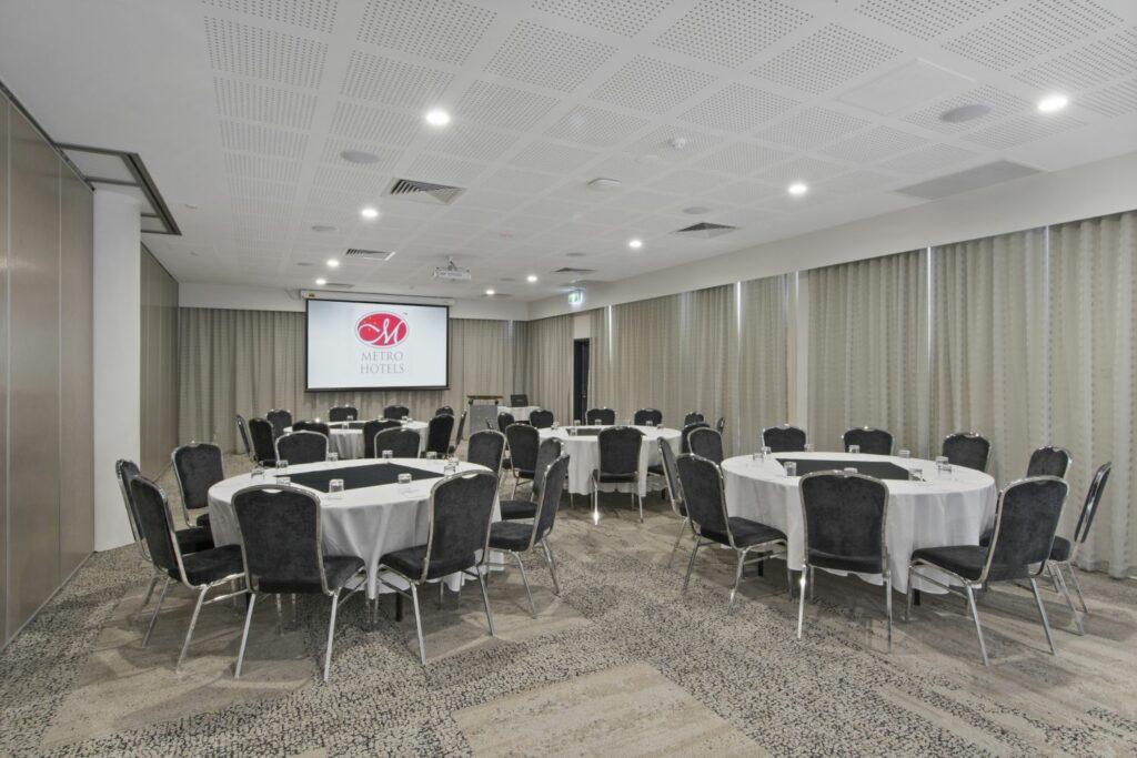 Black Swan Room | Metro Hotel Perth