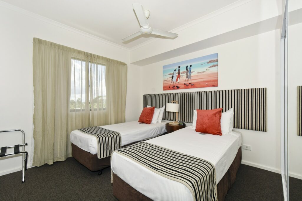 Metro Advance Apartments & Hotel Darwin 2 Executive BR Family Apartment Bedroom