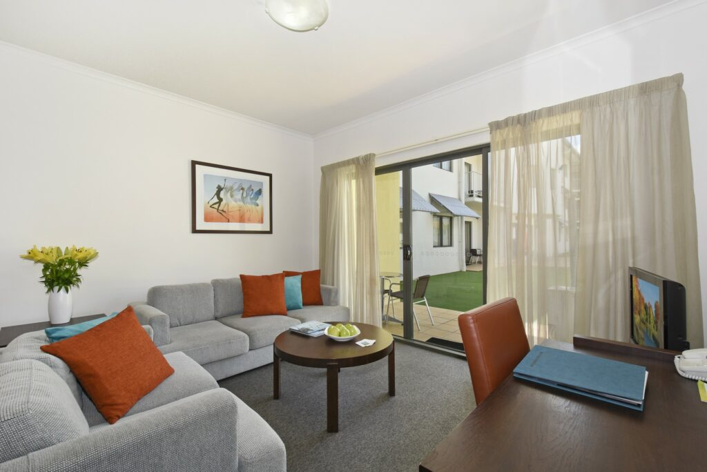 Metro Advance Apartments & Hotel Darwin 2 Executive BR Family Apartment Lounge Outside