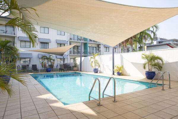 Metro Advance Apartments & Hotel Darwin Outdoor Swimming Pool