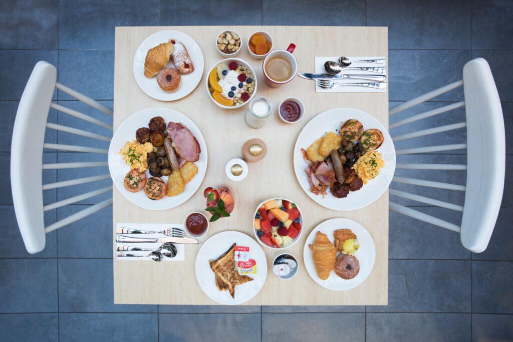Metro Aspire Hotel, Sydney Gumtree Restaurant & Bar Breakfast