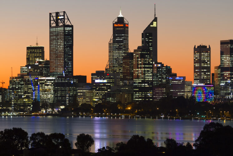 Metro Hotel Perth Sunset View
