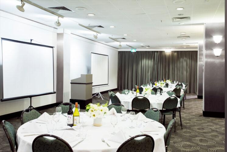 Metro-Aspire-Hotel-Conference-Room-4