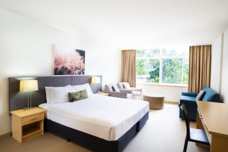 Winter Sale Hot Deal - Metro Mirage Hotel Newport